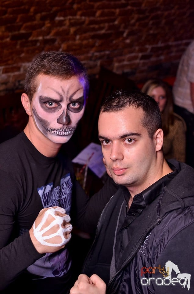 Bacardi Halloween Party, Escape